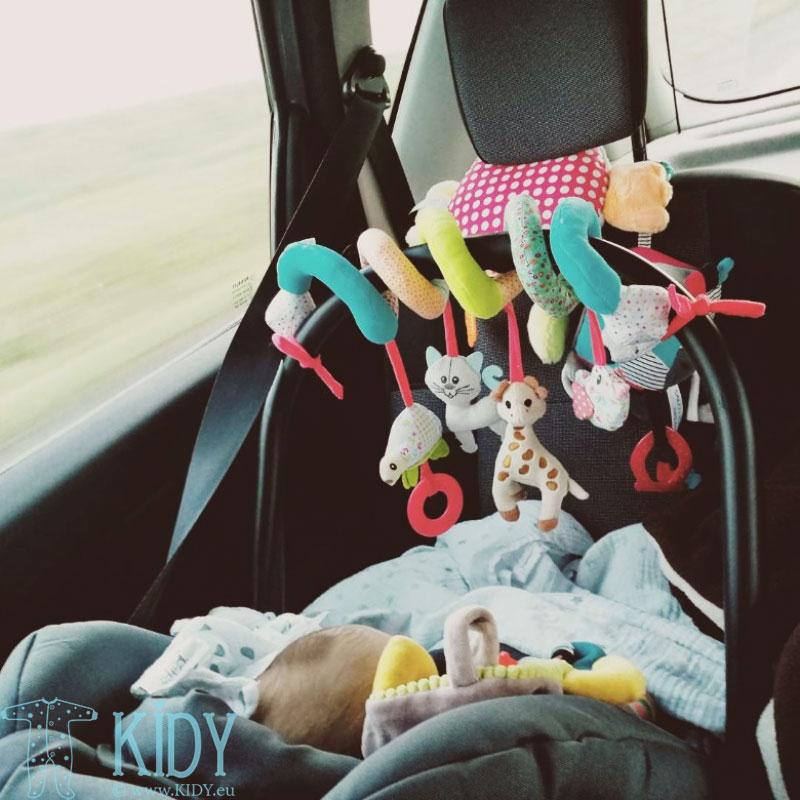 Sophie la girafe žaislas autokėdutei, vežimėliui, lovytei