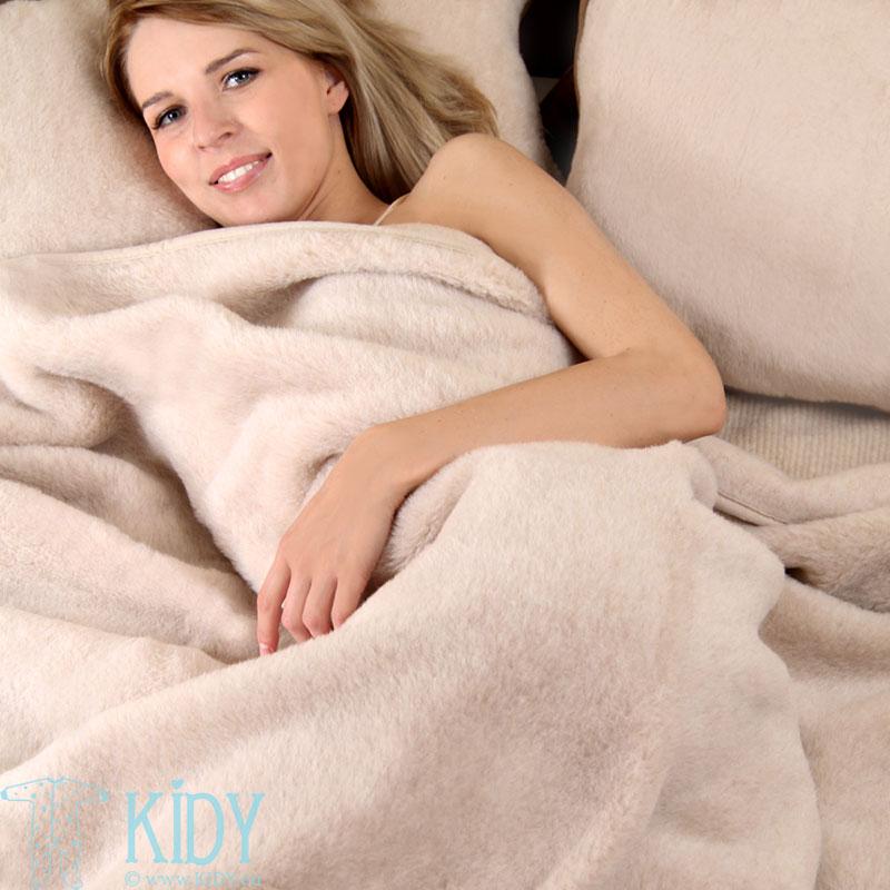 Бежевое шерстяное одеяло KARAMELĖ (Flokati) 4