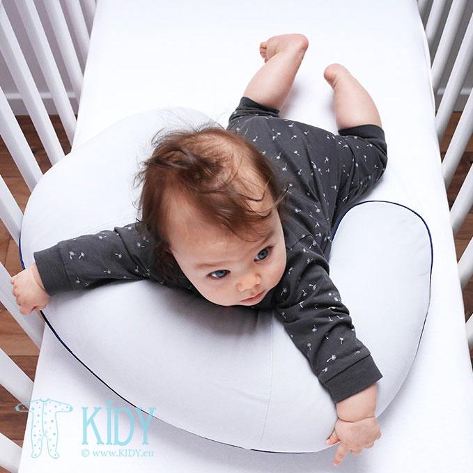 Pilka maitinimo pagalvė (Lullalove) 4