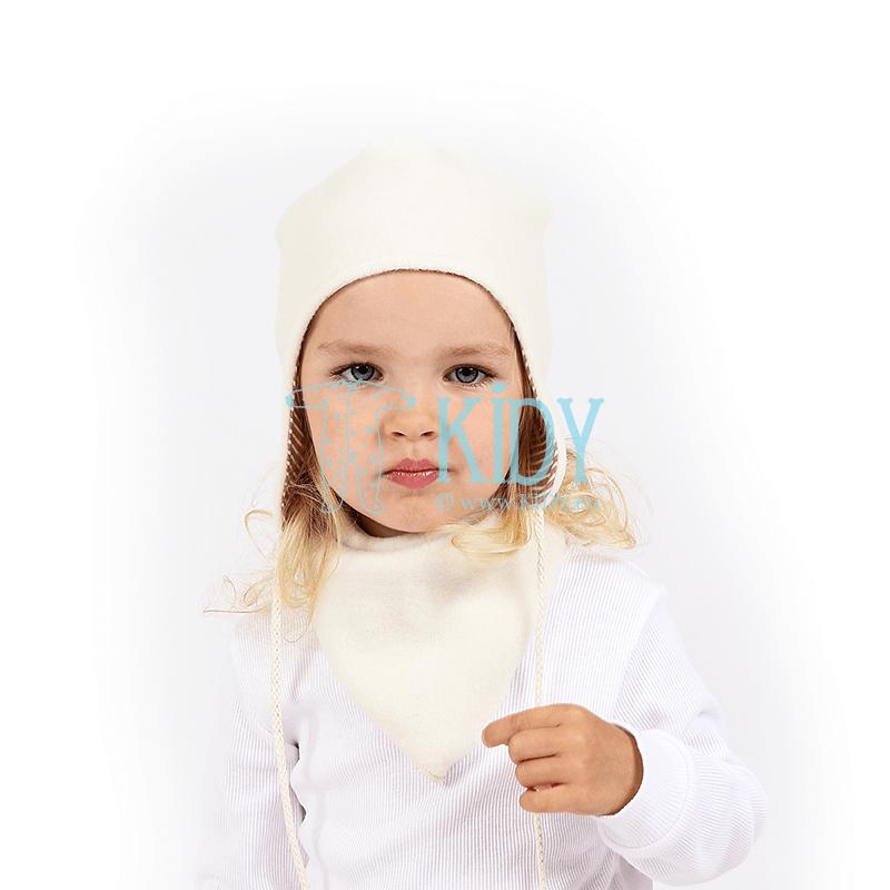White AVIUKAS set: hat, bandana and mittens