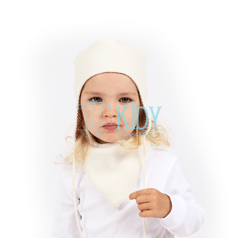 White AVIUKAS hat