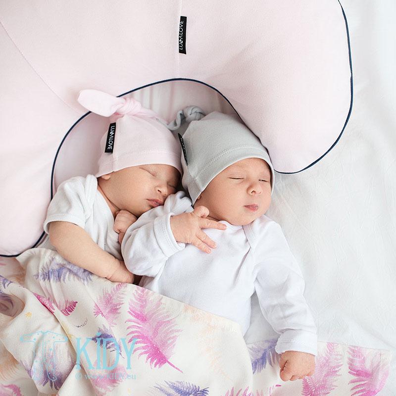 Розовая подушка для кормления (Lullalove) 5